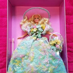 NIB 1994 Spring Bouquet Barbie
